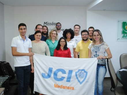 JCI Medianeira - Distintiva novos Membros